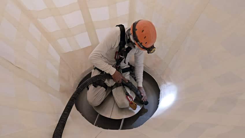 Limpieza y mantenimiento de silos